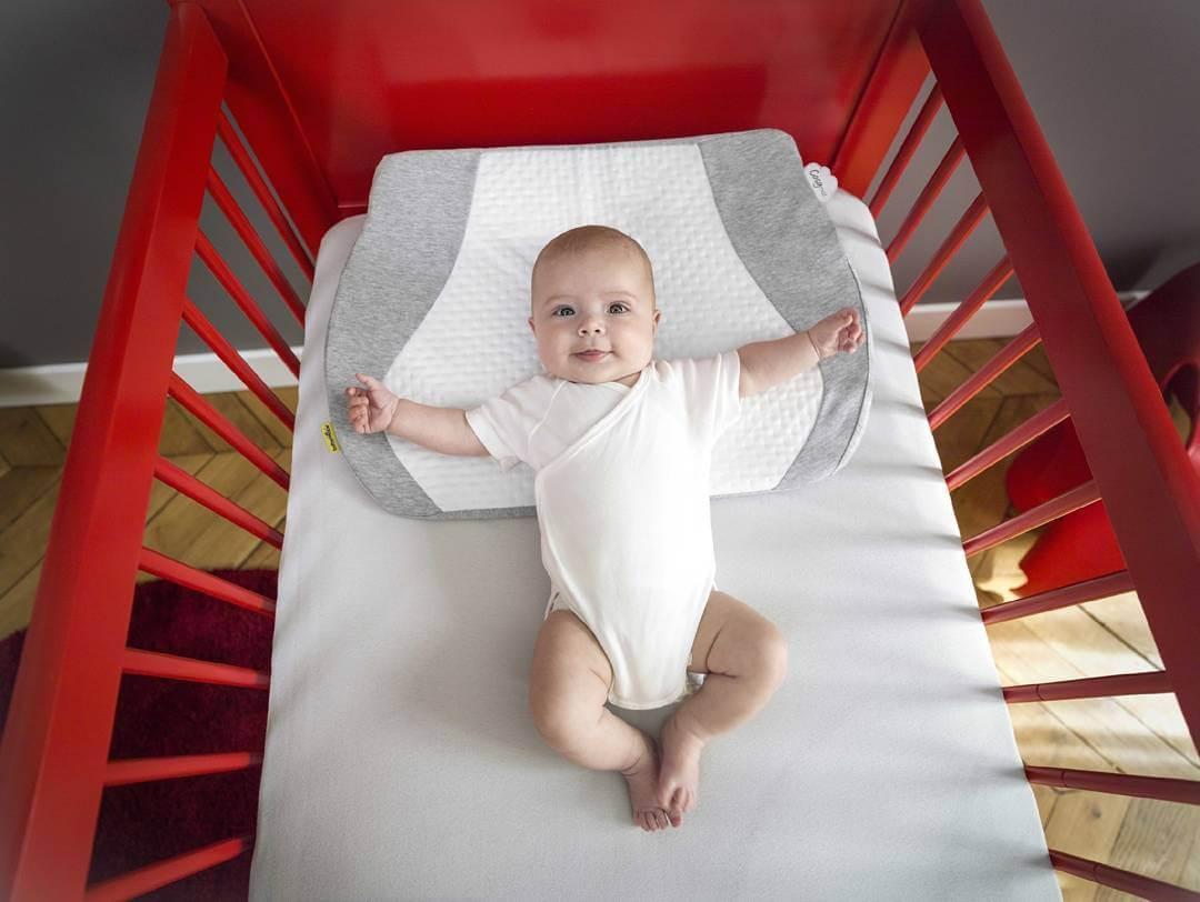Các vấn đề về bụng và khóc dạ đề ở trẻ sơ sinh