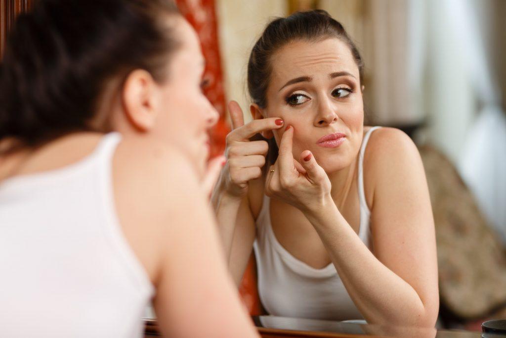 Da mặt mẹ bầu nổi mụn trong thai kỳ
