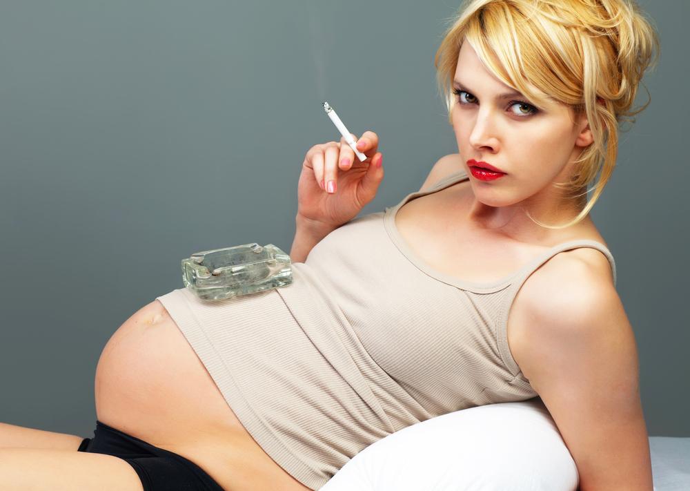 Hút thuốc có ảnh hưởng đến thai nhi không