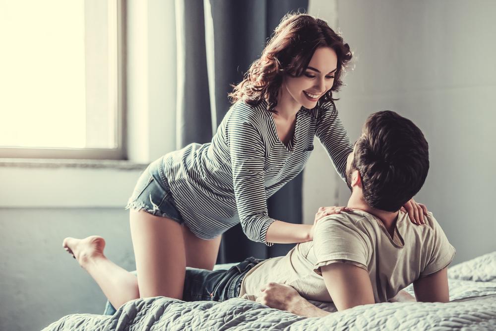 Quan hệ sau khi uống thuốc tránh thai khẩn cấp có sao không