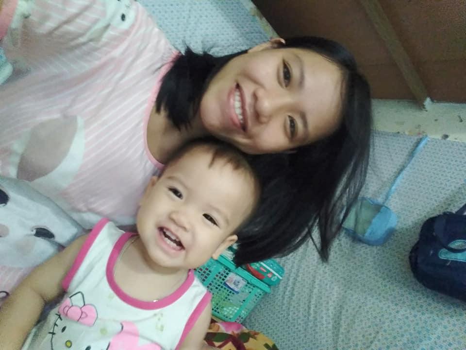 Mẹ Nguyễn Chang và con yêu