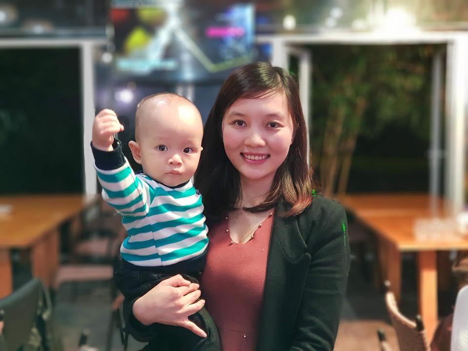 Mẹ Thảo Nguyên và bé Mon