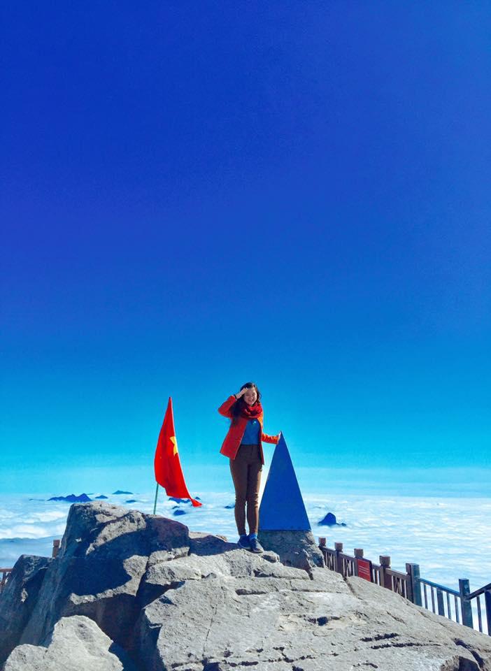 Mẹ Vân leo lên đỉnh Fanxipan khi đang có bầu
