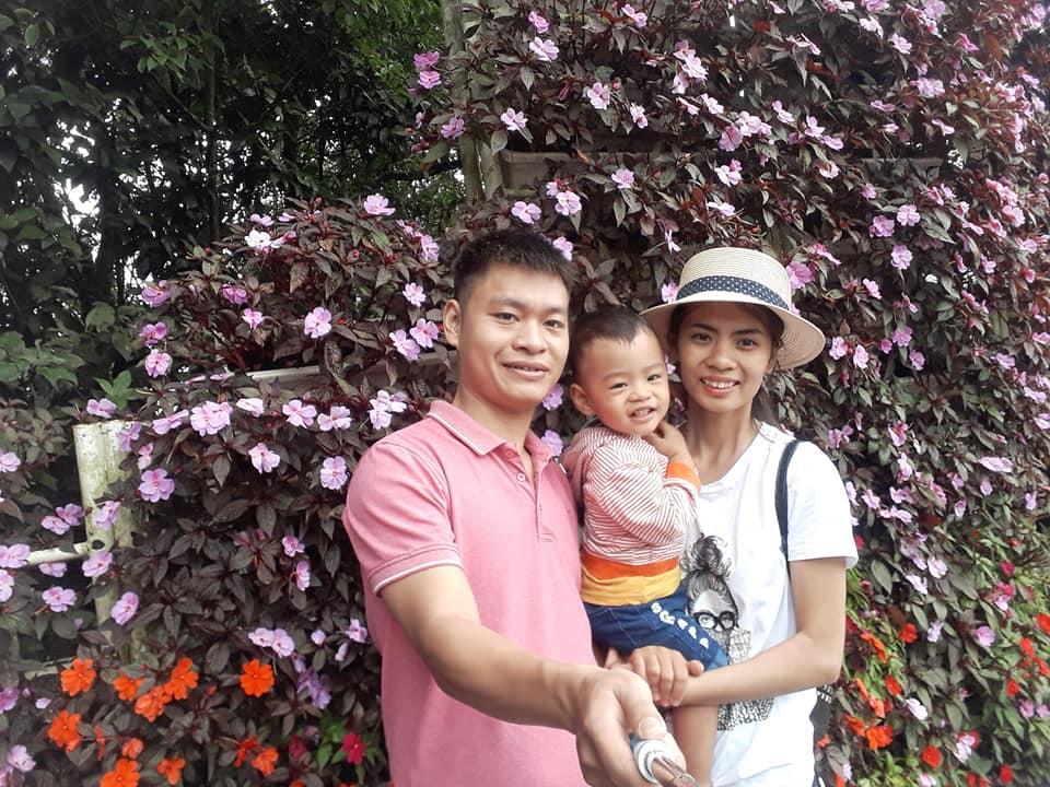 Vợ chồng mẹ Huyền Iris và bé Henry