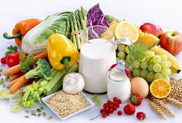 Một thực đơn đầy đủ dưỡng chất sẽ rất tốt đối với mẹ và bé