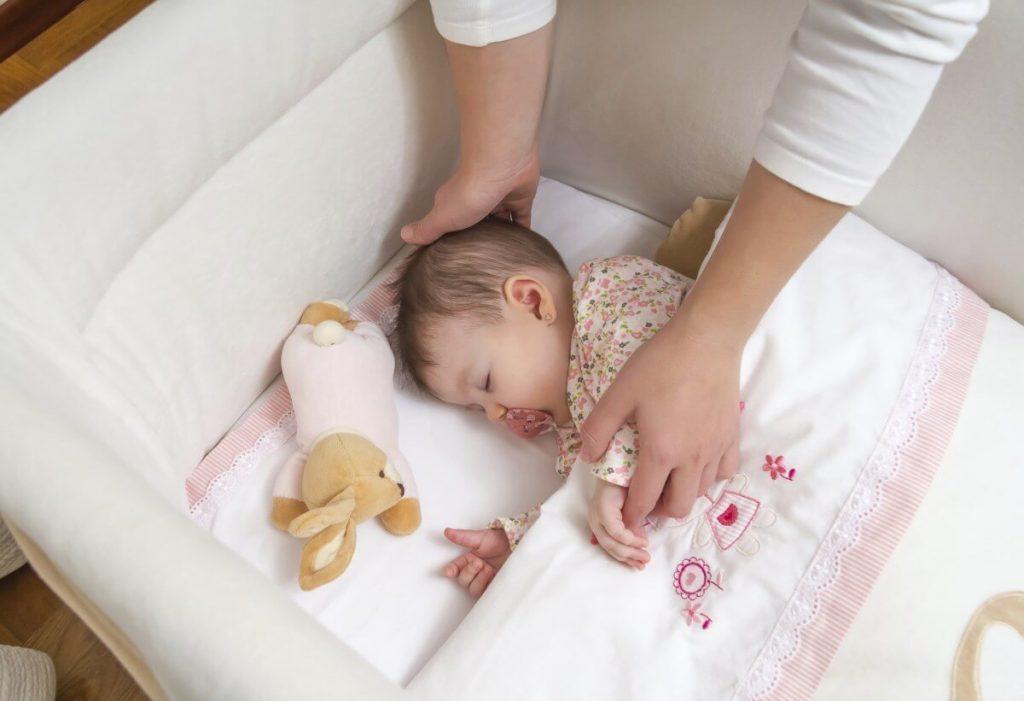 thiết lập easy muộn cho trẻ sơ sinh