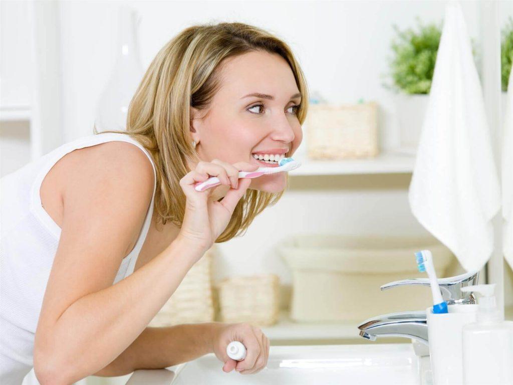 Mẹ bầu nên chăm sóc răng miệng cẩn thân