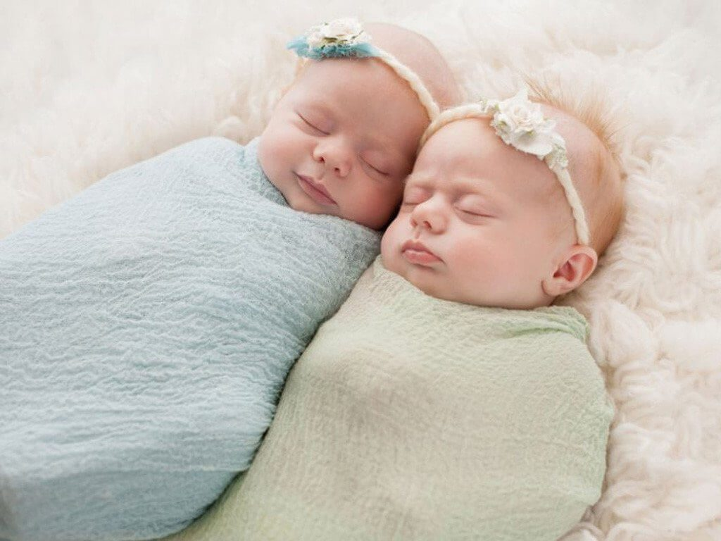 Mẹo để bé ngủ không giật mình là gì