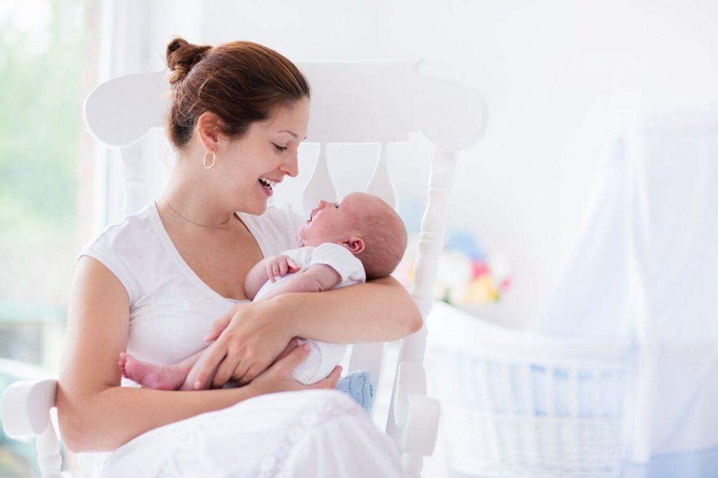 Người mẹ vui vẻ, khỏe mạnh mới chăm sóc con yêu tốt được