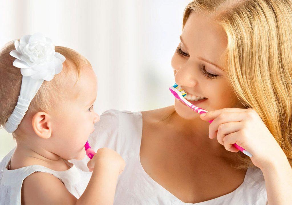 chăm sóc răng miệng cho bé 1 tuổi như thế nào (1)