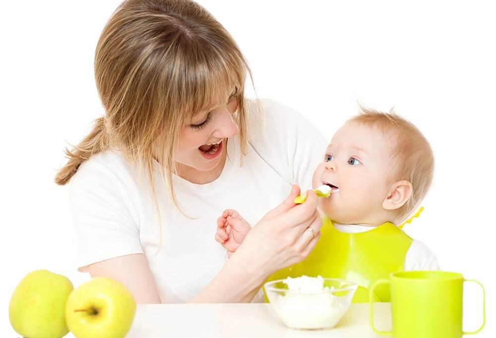 trẻ sơ sinh biếng ăn chậm tăng cân