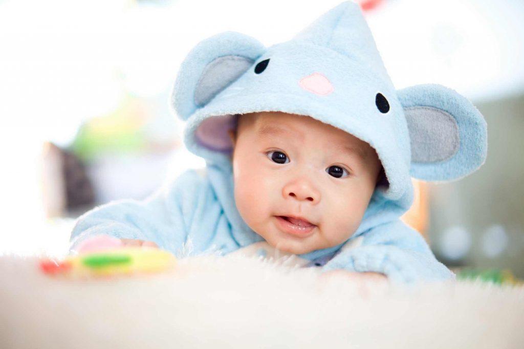 Trẻ sơ sinh 3 tháng tuổi tuần 3 phát triển như thế nào
