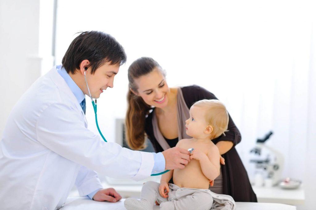 Ba mẹ nên đưa trẻ sơ sinh đi khám ở đâu