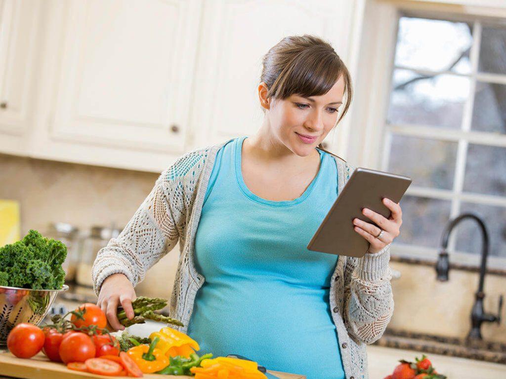 Dinh dưỡng cho mẹ bầu tháng 8