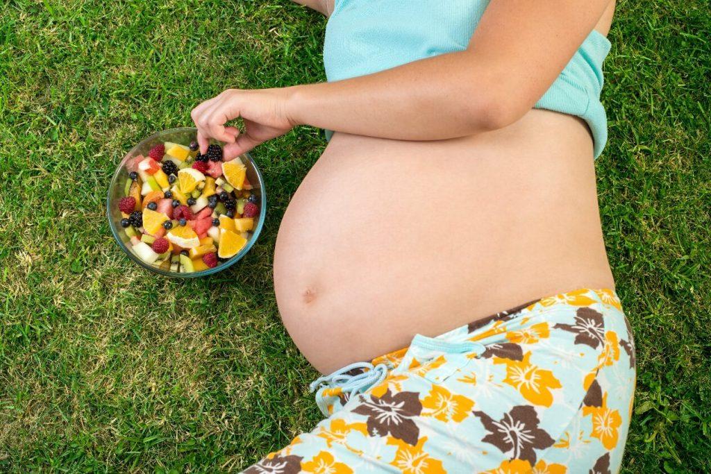 Chế độ dinh dưỡng cho bà bầu tháng cuối