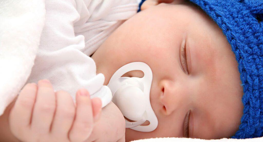 Ti giả cho trẻ sơ sinh