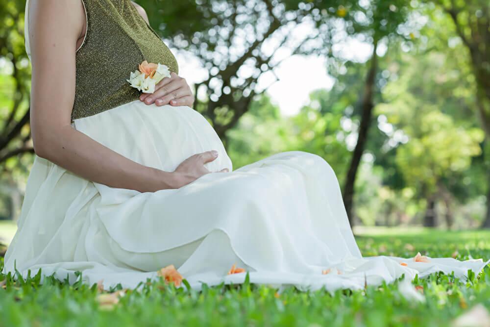 Bệnh giang mai gây nguy hiểm cho cả mẹ bầu và thai nhi