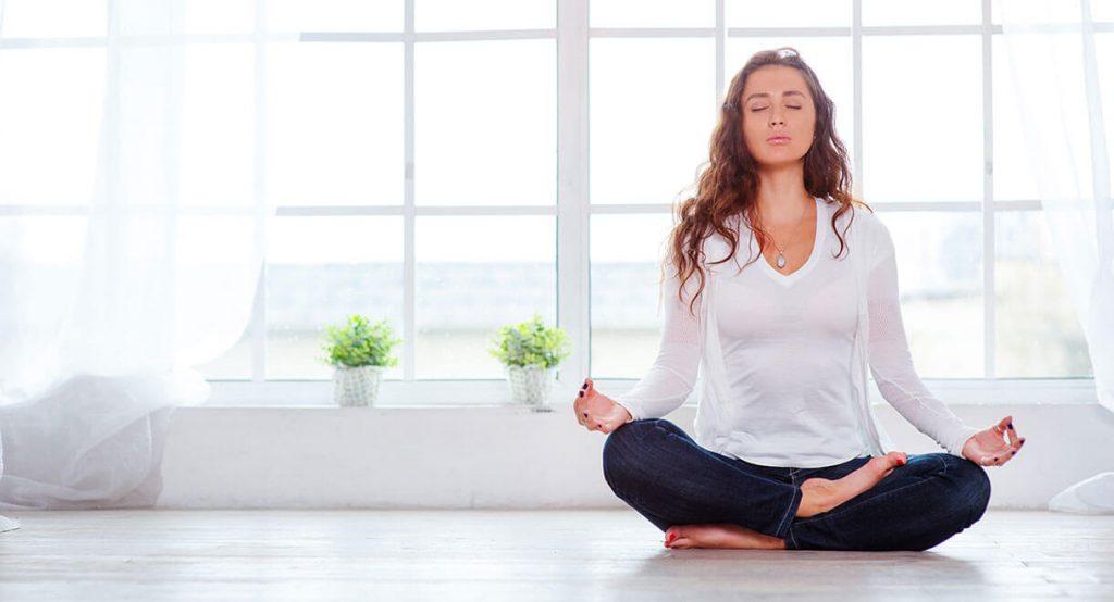 Thiền hoặc vận động nhẹ nhàng giúp mẹ thư giãn và mau chóng phục hồi sau sinh (1)