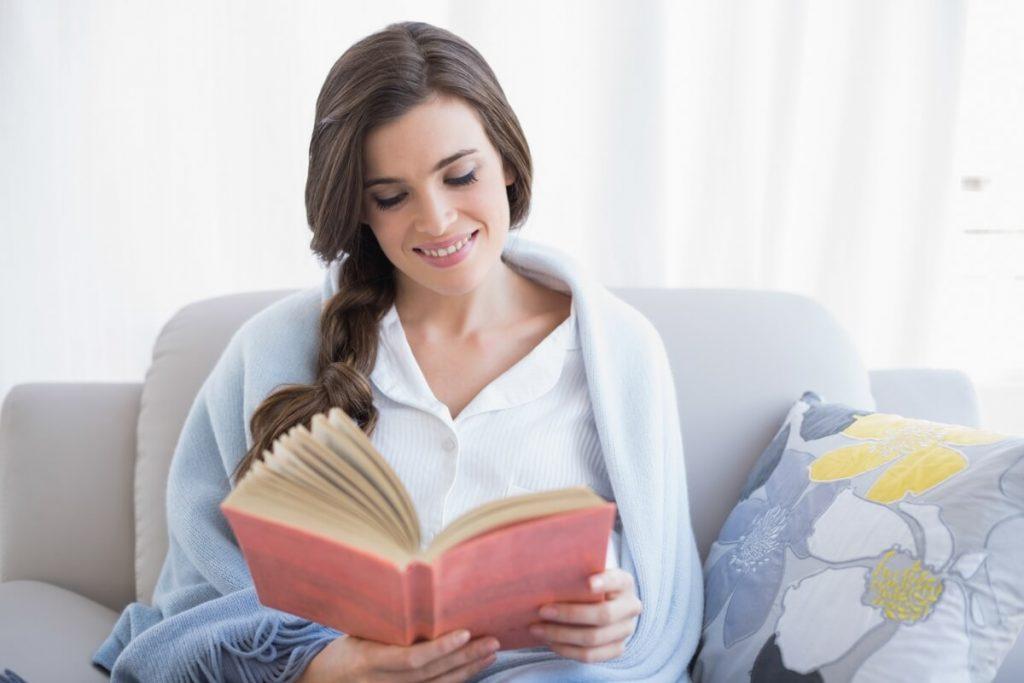 Đọc sách giúp mẹ thư giãn và lấy lại năng lượng cho cả ngày