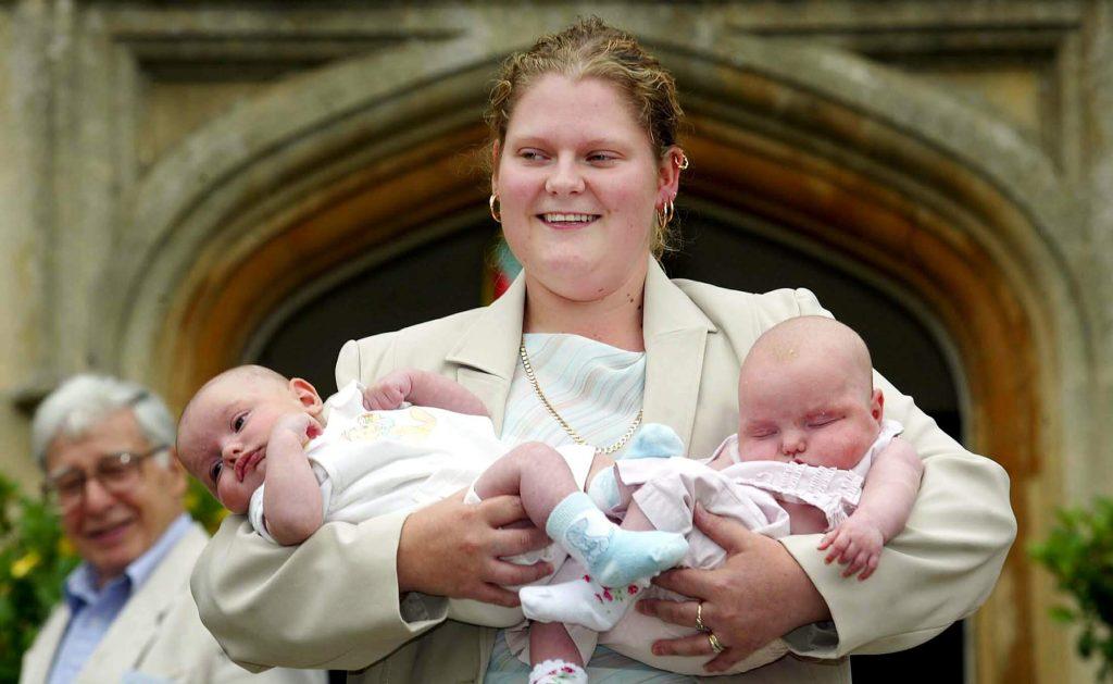 Sau Louise Brown-đứa trẻ thụ tinh trong ống nghiệm đầu tiên trên thế giới, đã có tới khoảng 8 triệu đứa trẻ chào đời thông qua IVF