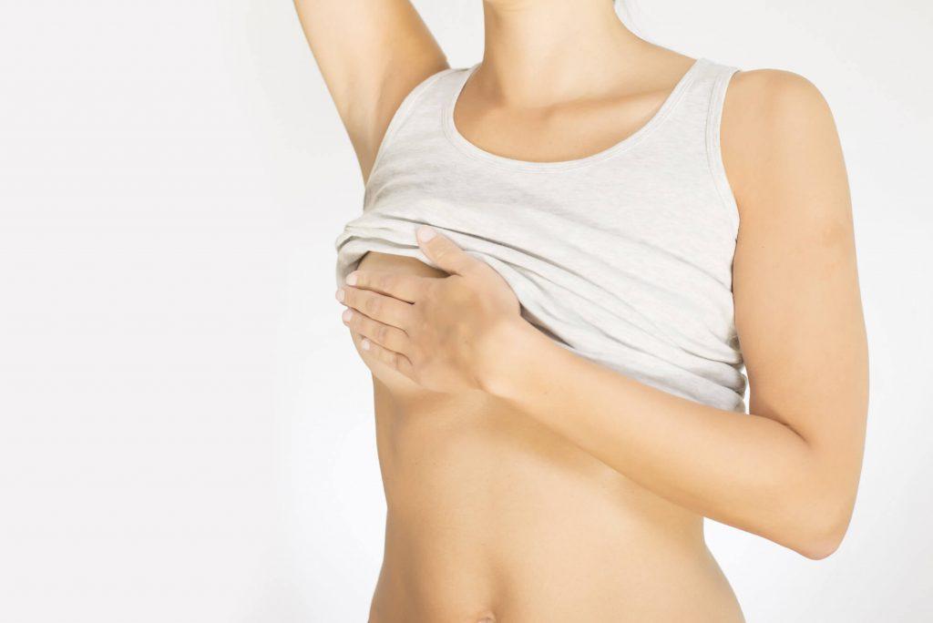 Ngực căng là dấu hiệu thụ thai tháng công